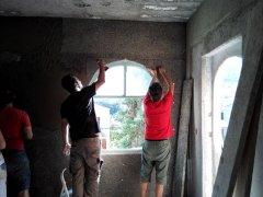 Οι πλάκες ξυλόμαλλου Ηρακλείτη (knaufinsulation.gr) είναι ιδανικές για την εφαρμογή επιχρισμάτων πάνω σε τσιμέντινους τοίχους, ειδικά για την ανακαίνιση παλιών κατοικιών.